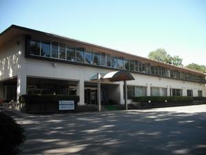 駒ヶ根訓練所の正面入口