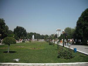 フェルガナ中心部の公園