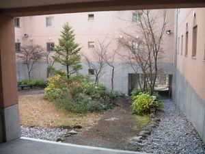 2号館の中庭