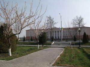 春の大学の風景