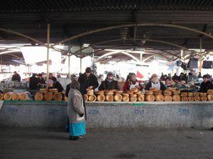 首都タシュケントのパン