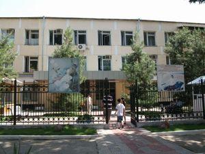 首都タシュケントの病院