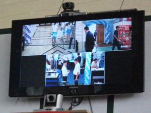 テレビ会議システムでリアルタイム中継