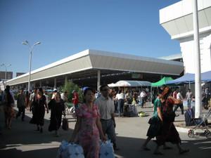 ウズベキスタン・ウルゲンチのバザール(市場)