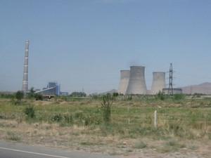 ウズベキスタンの石炭火力発電所